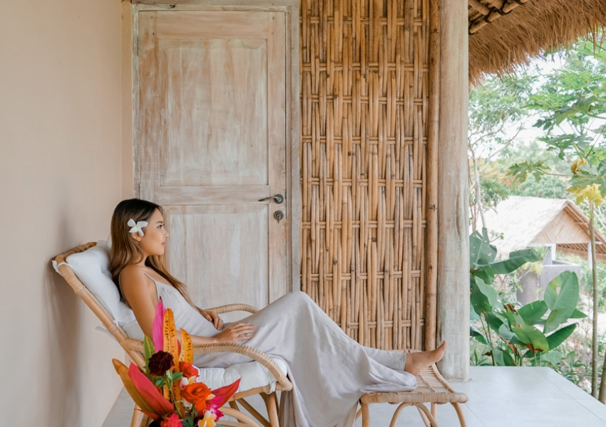 Designed for total serenity & relaxation in Nusa Penida, Bali.With only 14 cottages set in the peaceful hills of Batukandik, Nusa Penida, The Mesare Resort is designed to focus on your wellness.